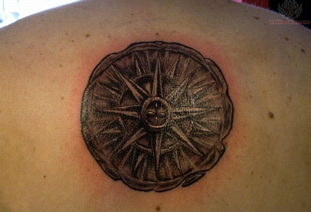 upper-back-compass-tattoo-2